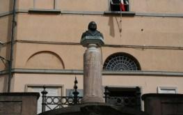 Castagneto Carducci - Statua di Giosuè Carducci